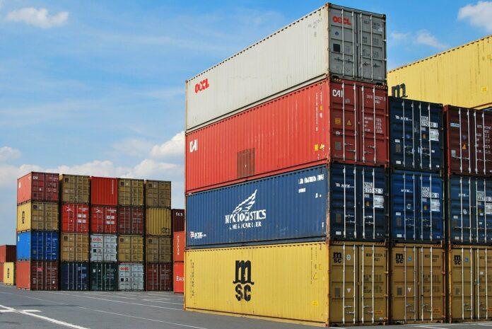 Hafen mit Container